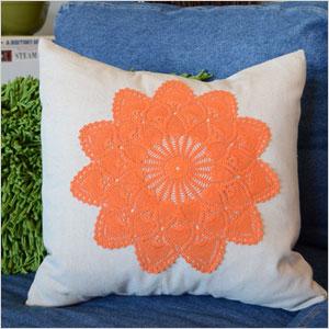 Dip-dyed doiley pillow