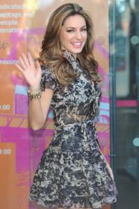 Kelly Brook slithers in sexy new