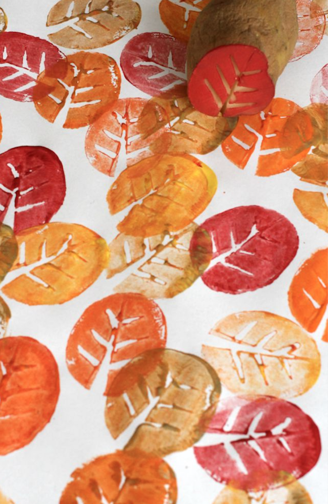 Fall Thanksgiving crafts for kids: potato leaf print DIY
