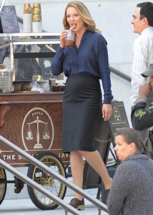 Pregnant Katherine Heigl baby bump