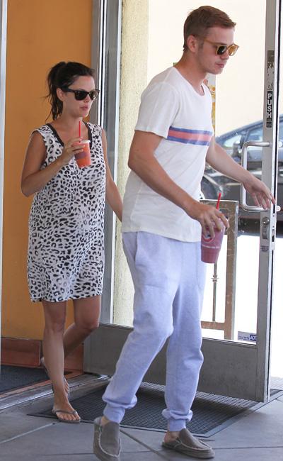 Pregnant Rachel Bilson and Hayden Christensen