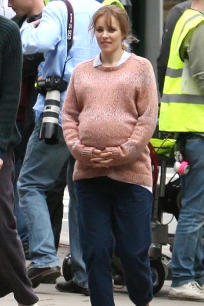 Pregnant Rachel McAdams