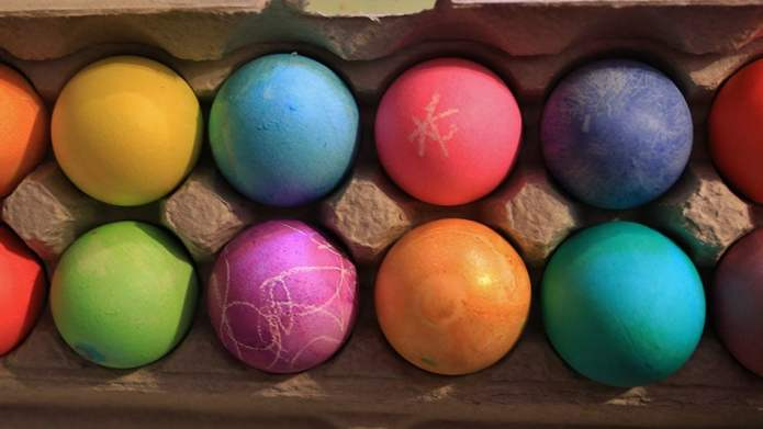 Your Everything Guide to Dyeing Easter Eggs the Old-School ...