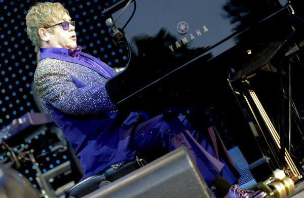 Elton John: AIDS should have put