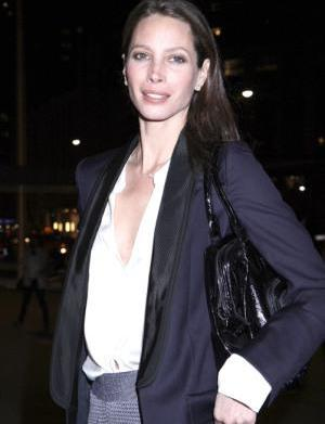 Christy Turlington says no to Mother's