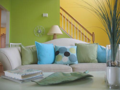 Decorate a contemporary living room
