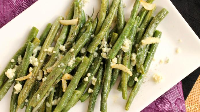 Olive oil and garlic green beans