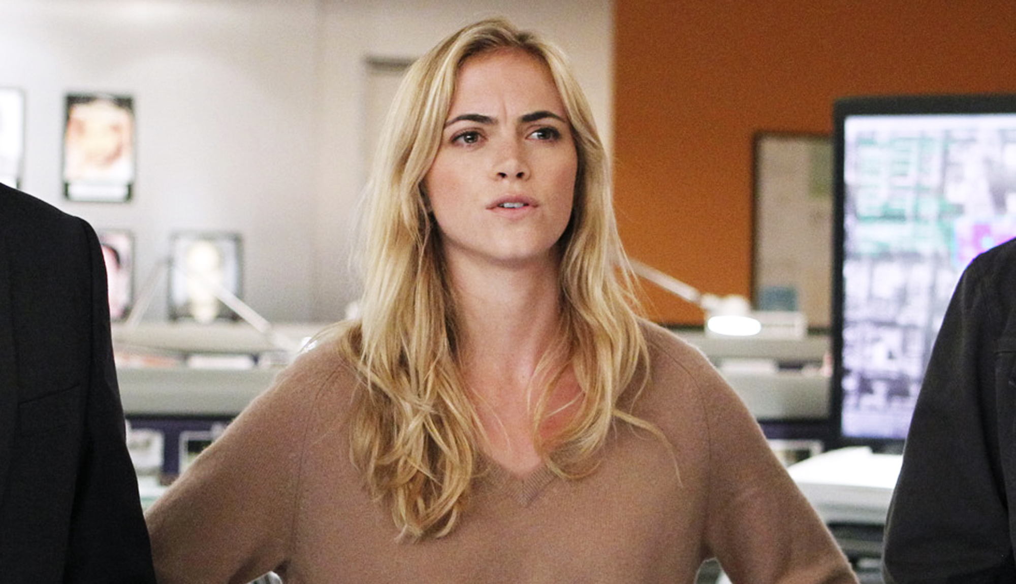 Video Emily Wickersham naked (13 foto and video), Sexy, Leaked, Twitter, braless 2015