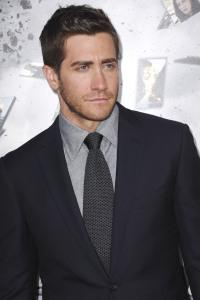 Jake Gyllenhaal finds the Source Code