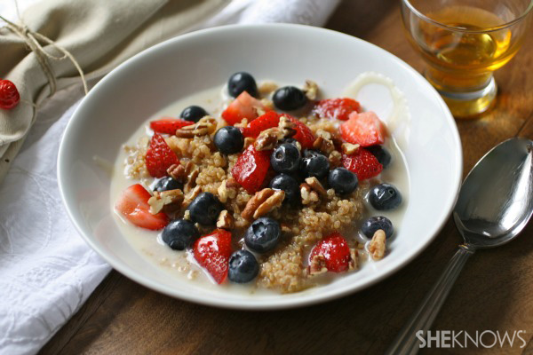 Cinnamon flavored quinoa with berries and nuts