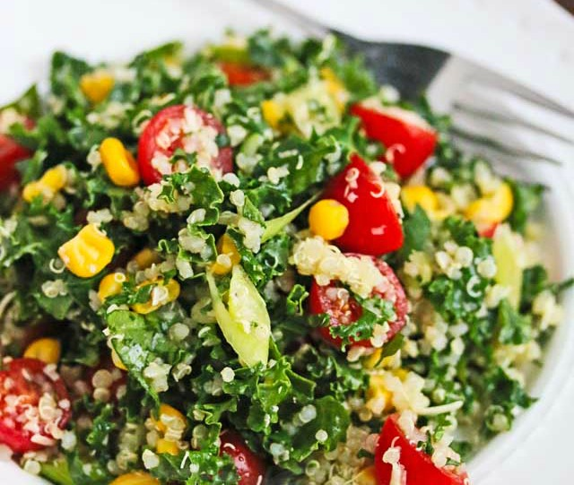 Quinoa salad for a low calorie snack
