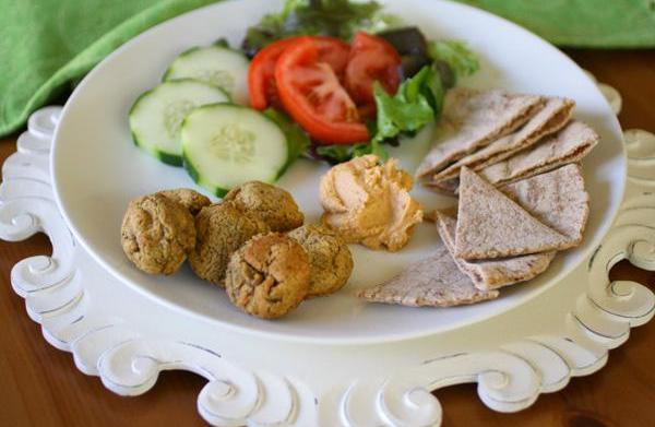 Meatless Monday: Baked falafel