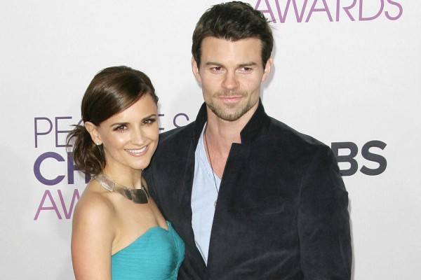 Rachael Leigh Cook and Daniel Gillies at the People's Choice Awards