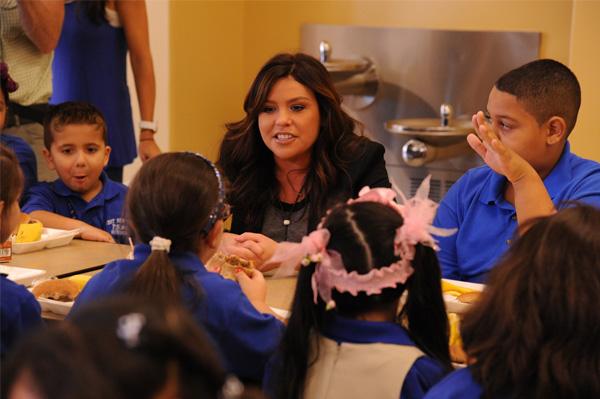 Rachel Ray in school cafeteria