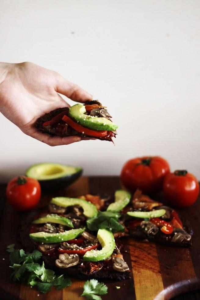 ultimate raw vegan pizza
