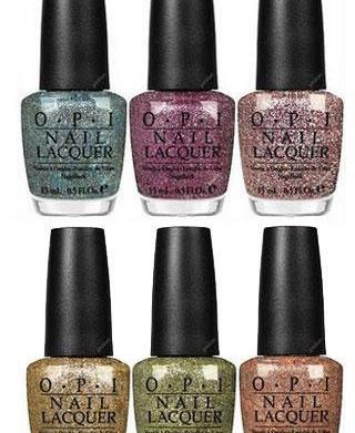 How to wear glitter nail polish