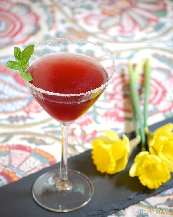 Red berry Champagne cocktail recipe