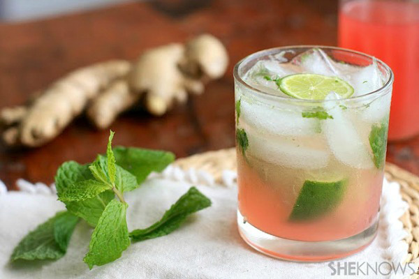 Rhubarb and ginger mojito