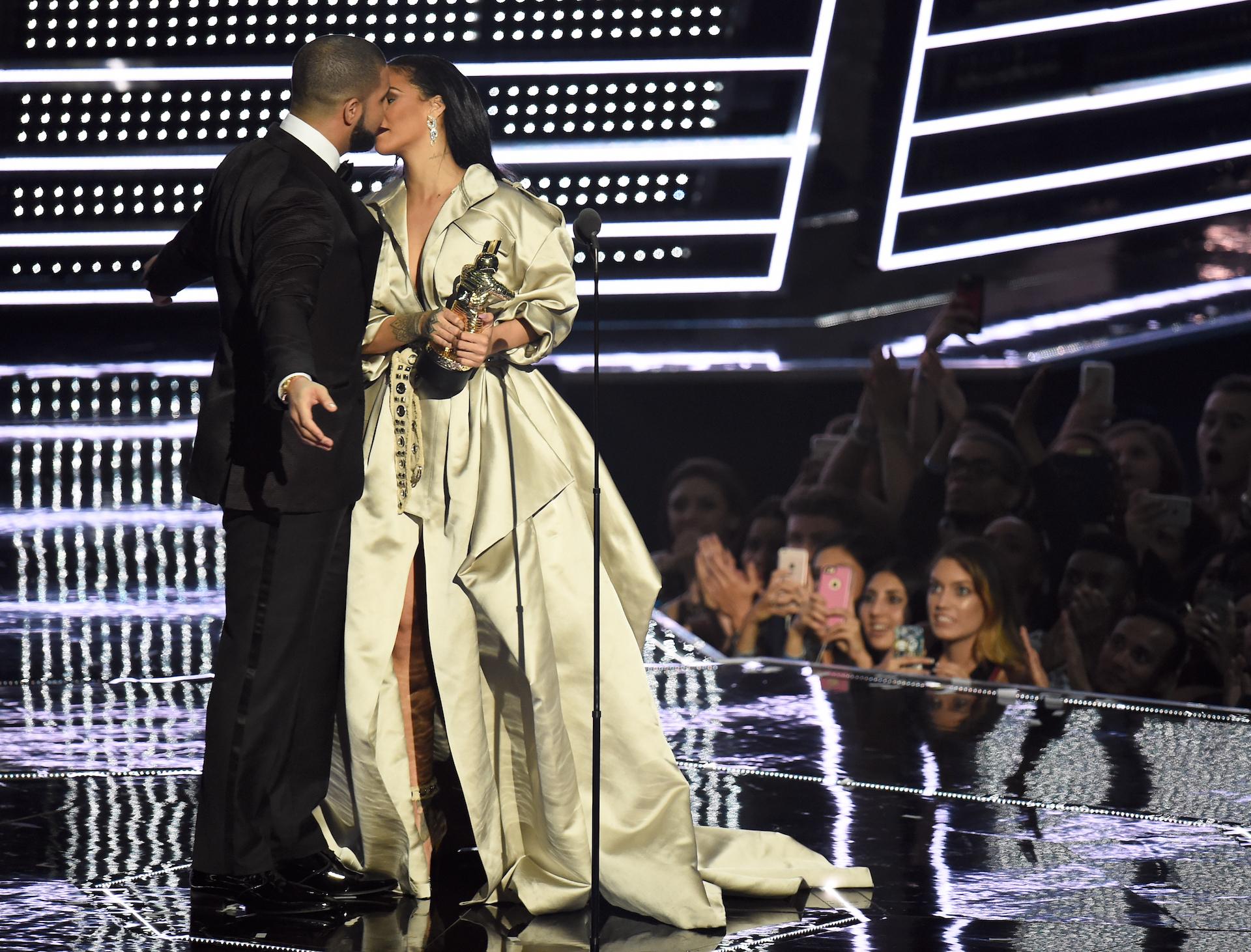 Rihanna and Drake at the VMAs
