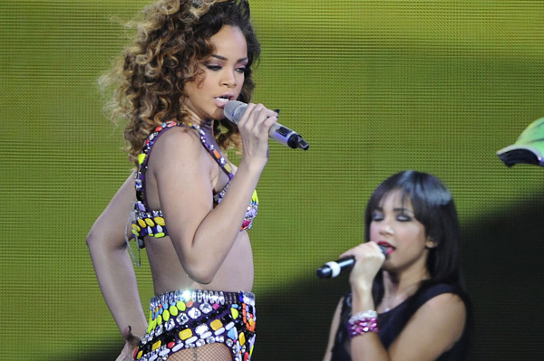 Rihanna gets a new thug life tattoo