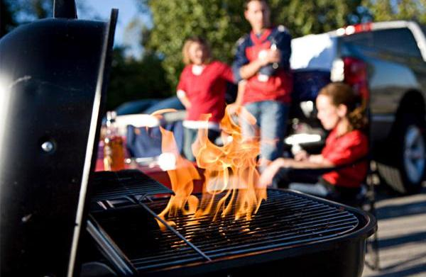Grill the perfect burger, tailgate style