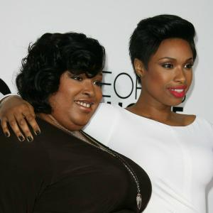 People's Choice Awards honor Jennifer Hudson