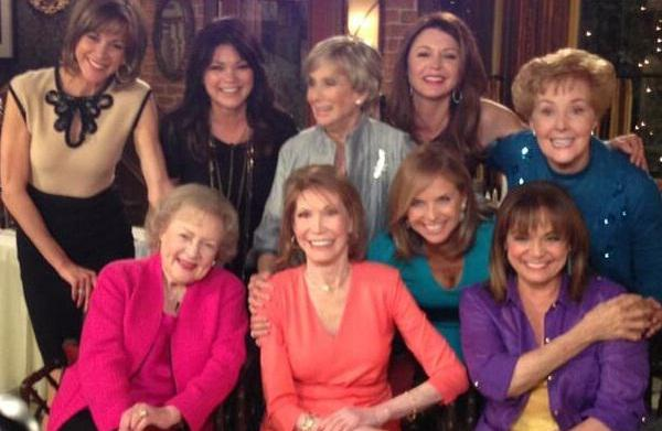 Mary Tyler Moore cast reunites on