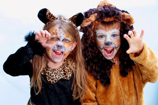 Roaring cats costume