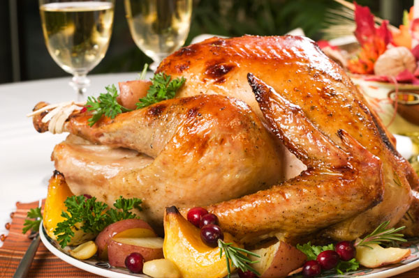 Roasted thanksgiving with wine glasses | Sheknows.ca