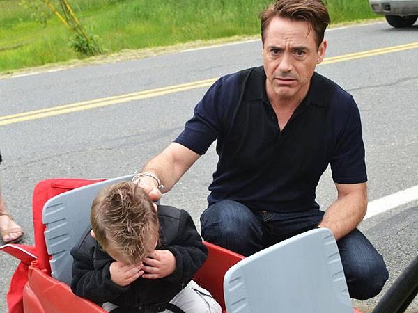 Robert Downey Jr. makes little boy cry