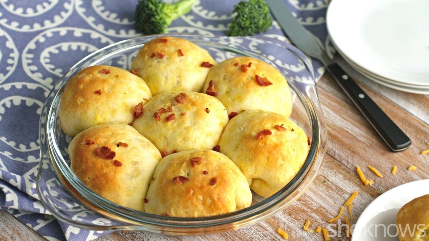 cheesy pull-apart rolls