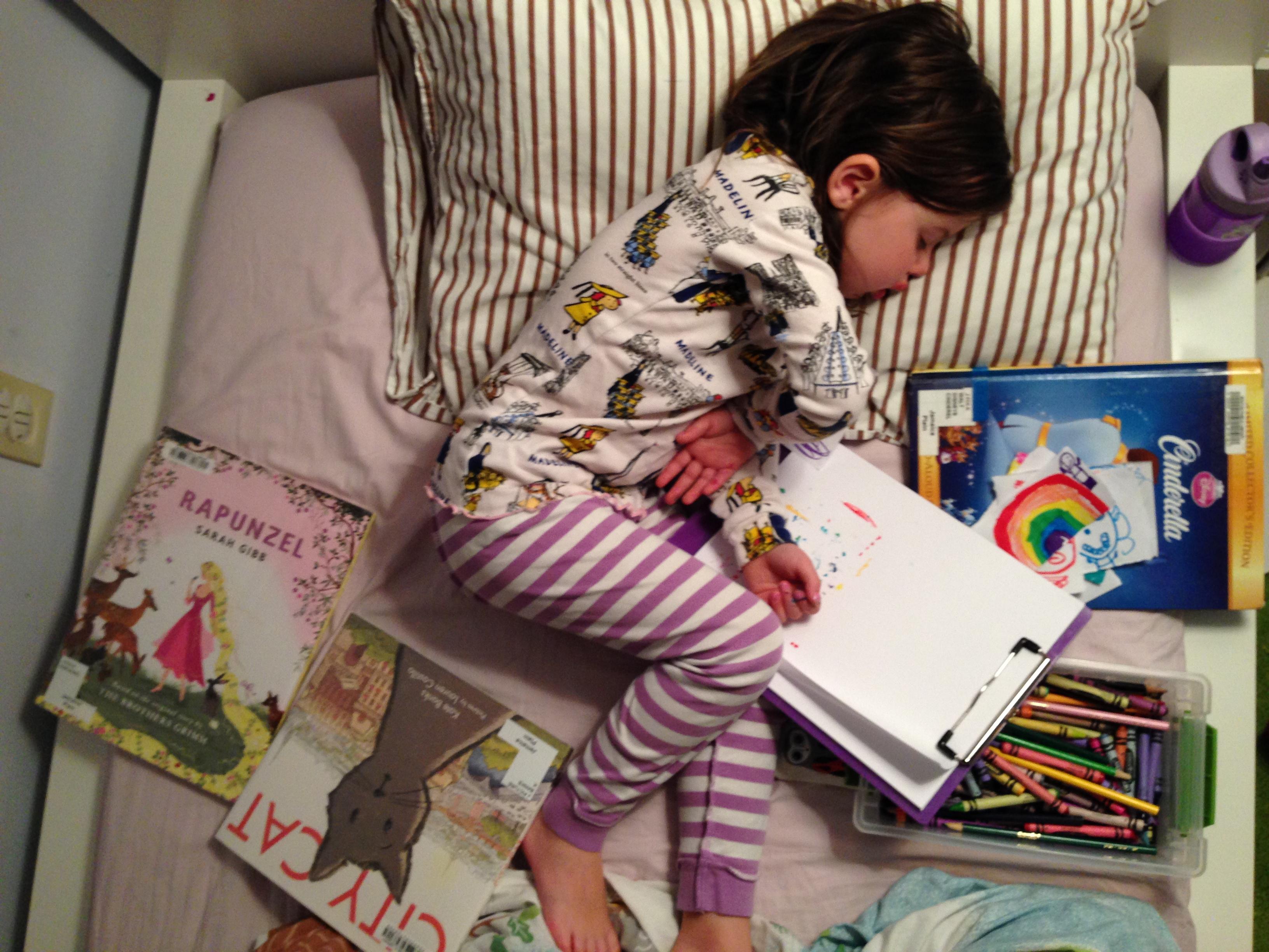 Roozle draws herself to sleep 05