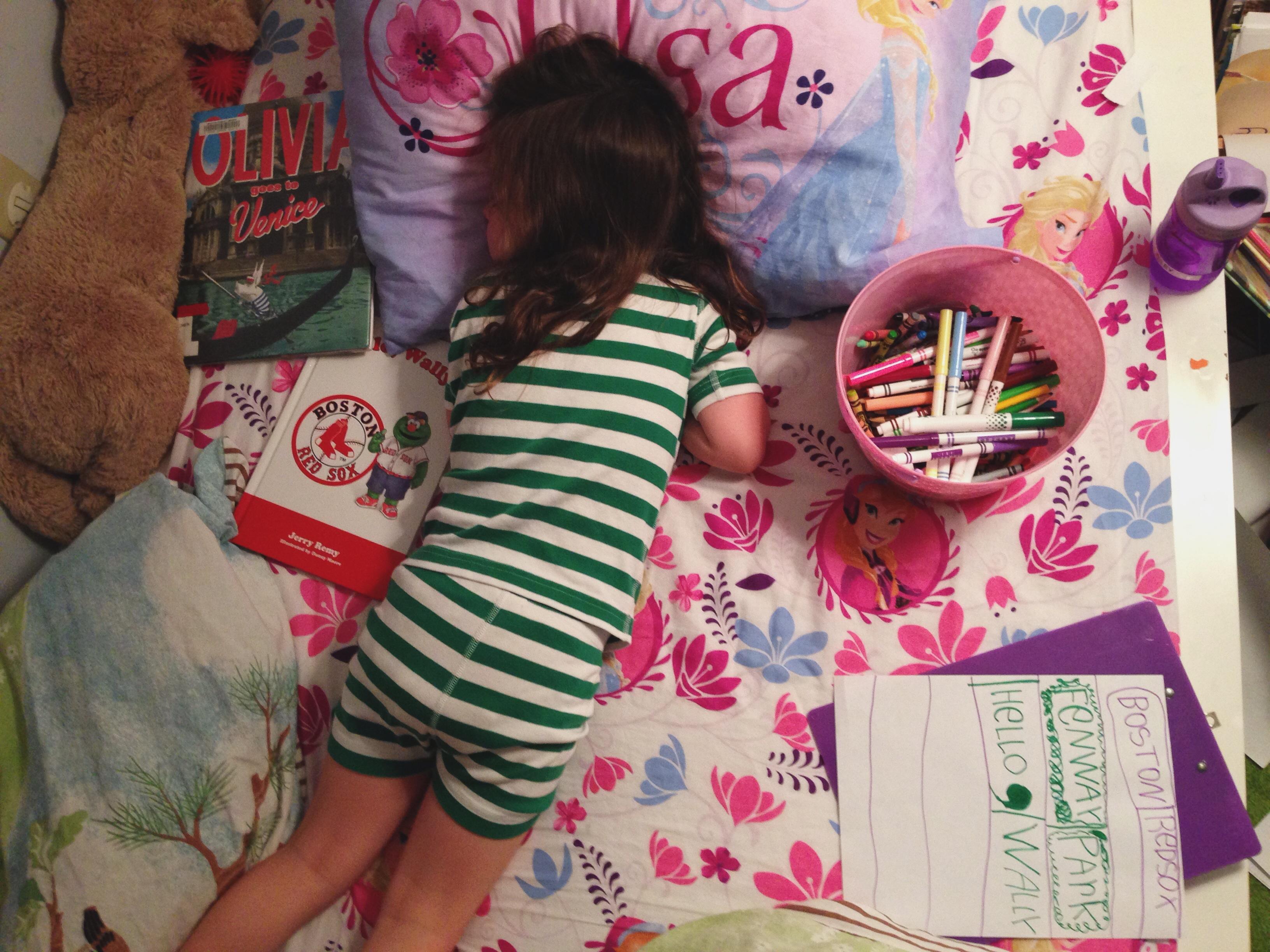 Roozle draws herself to sleep 06