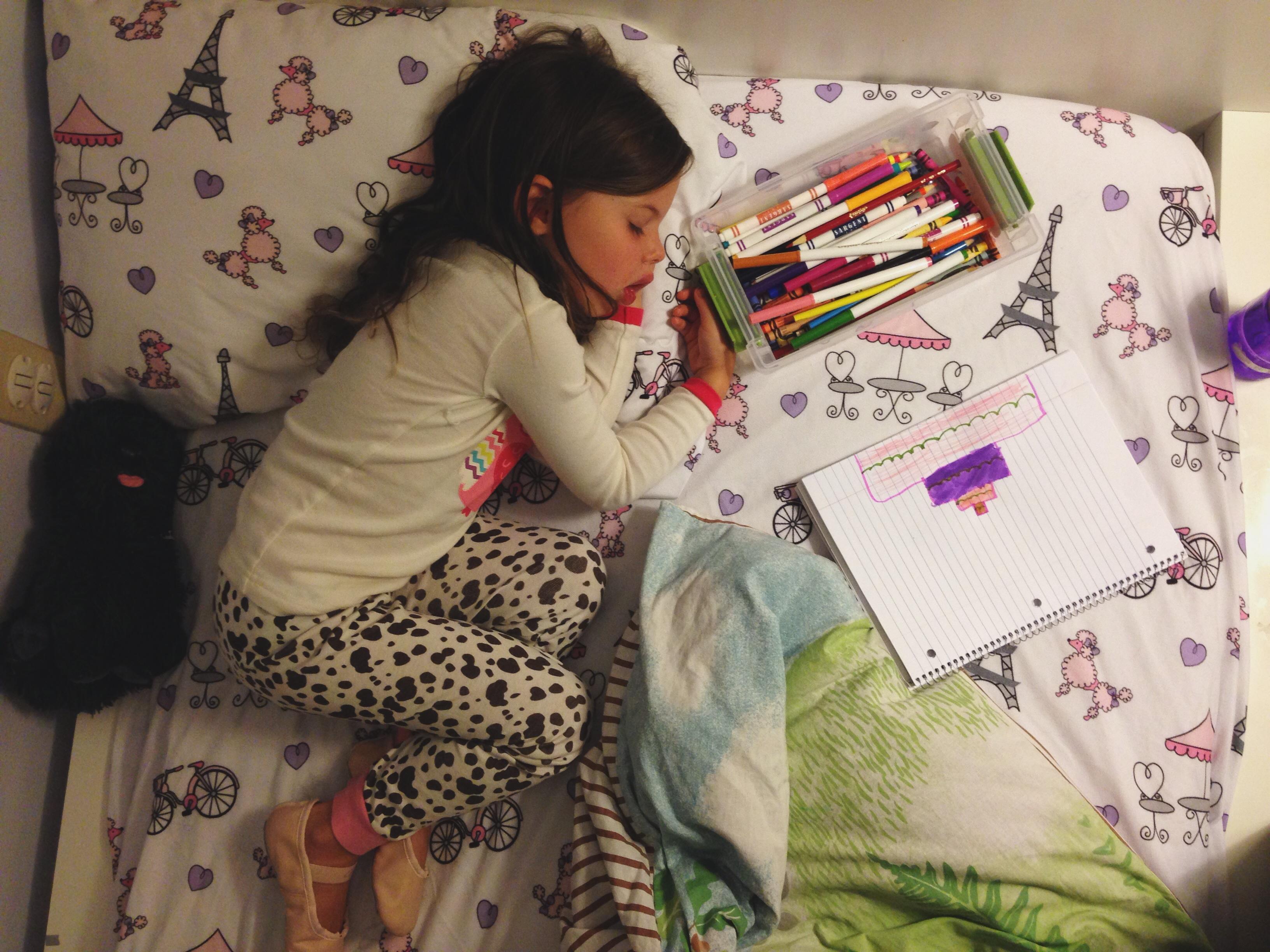 Roozle draws herself to sleep 07