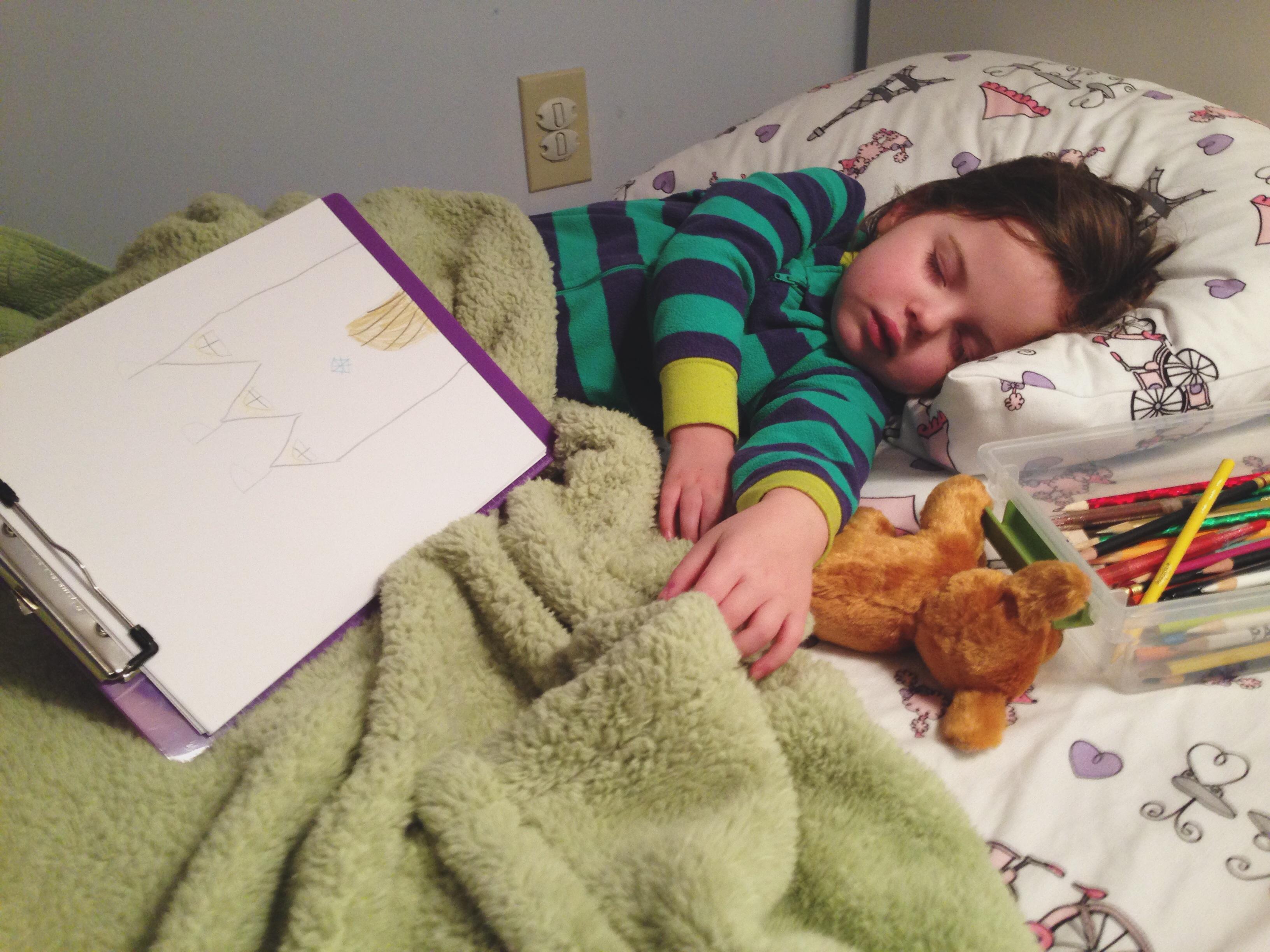 Roozle draws herself to sleep 08
