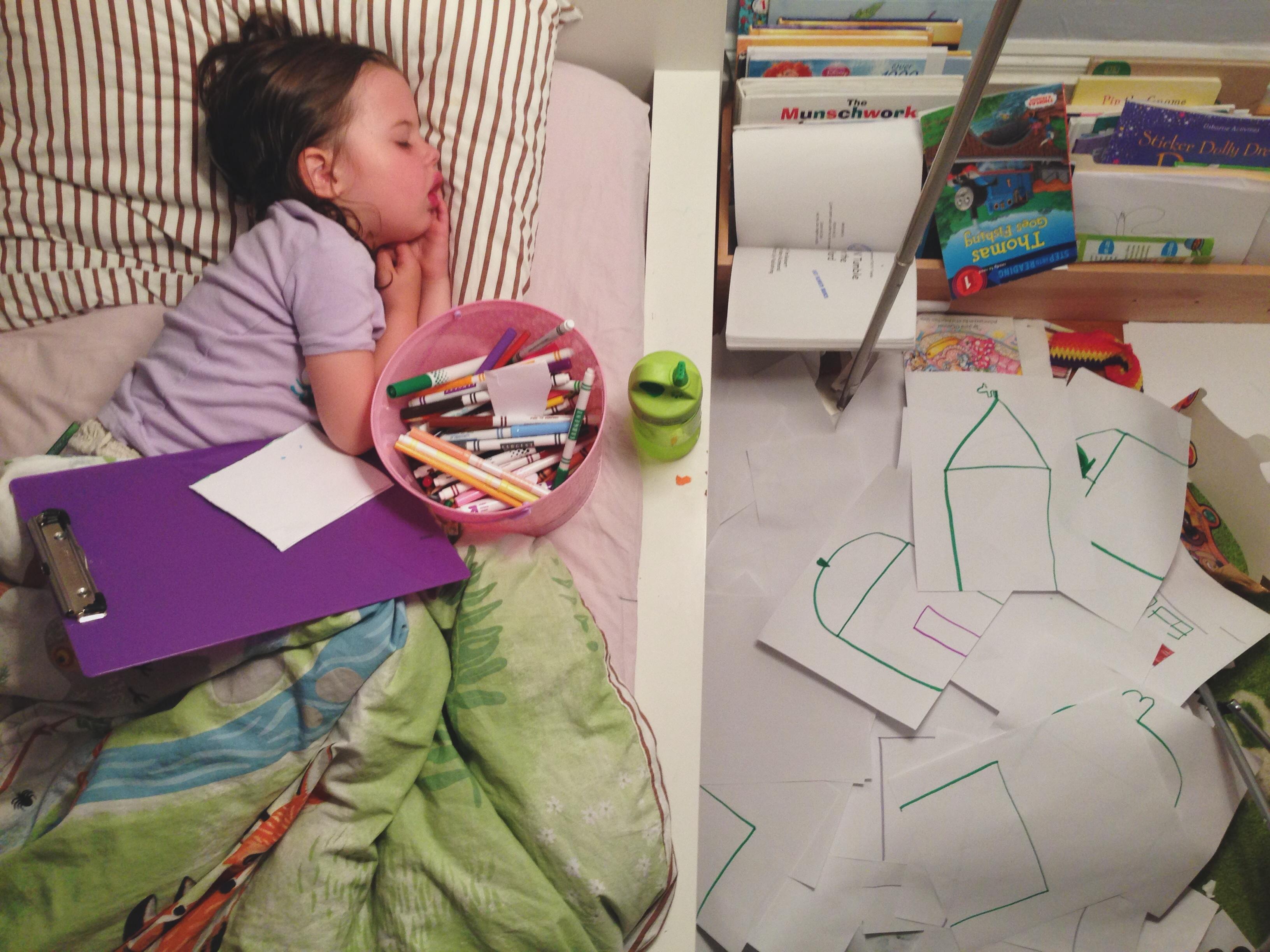 Roozle draws herself to sleep 09