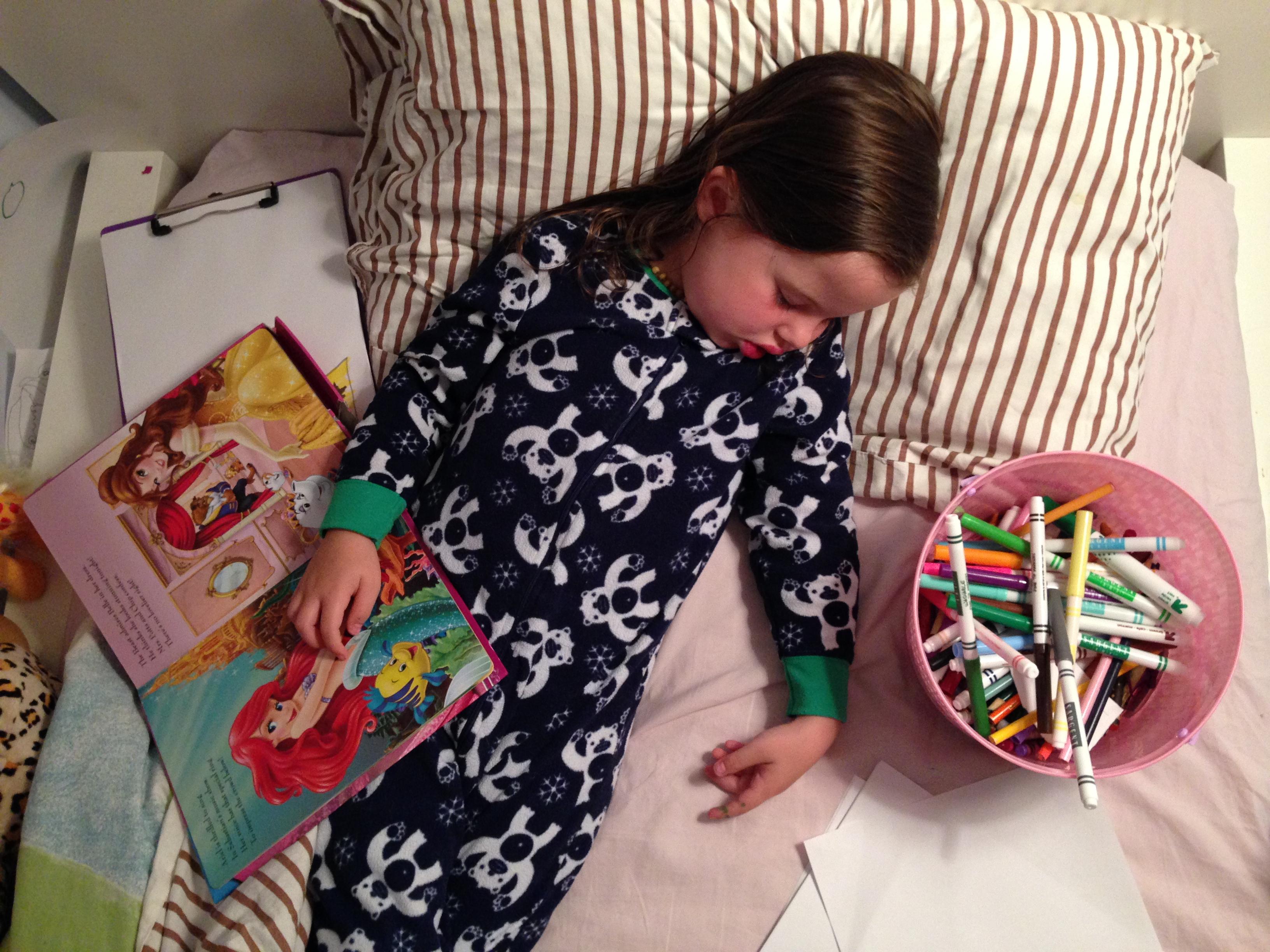 Roozle draws herself to sleep 12
