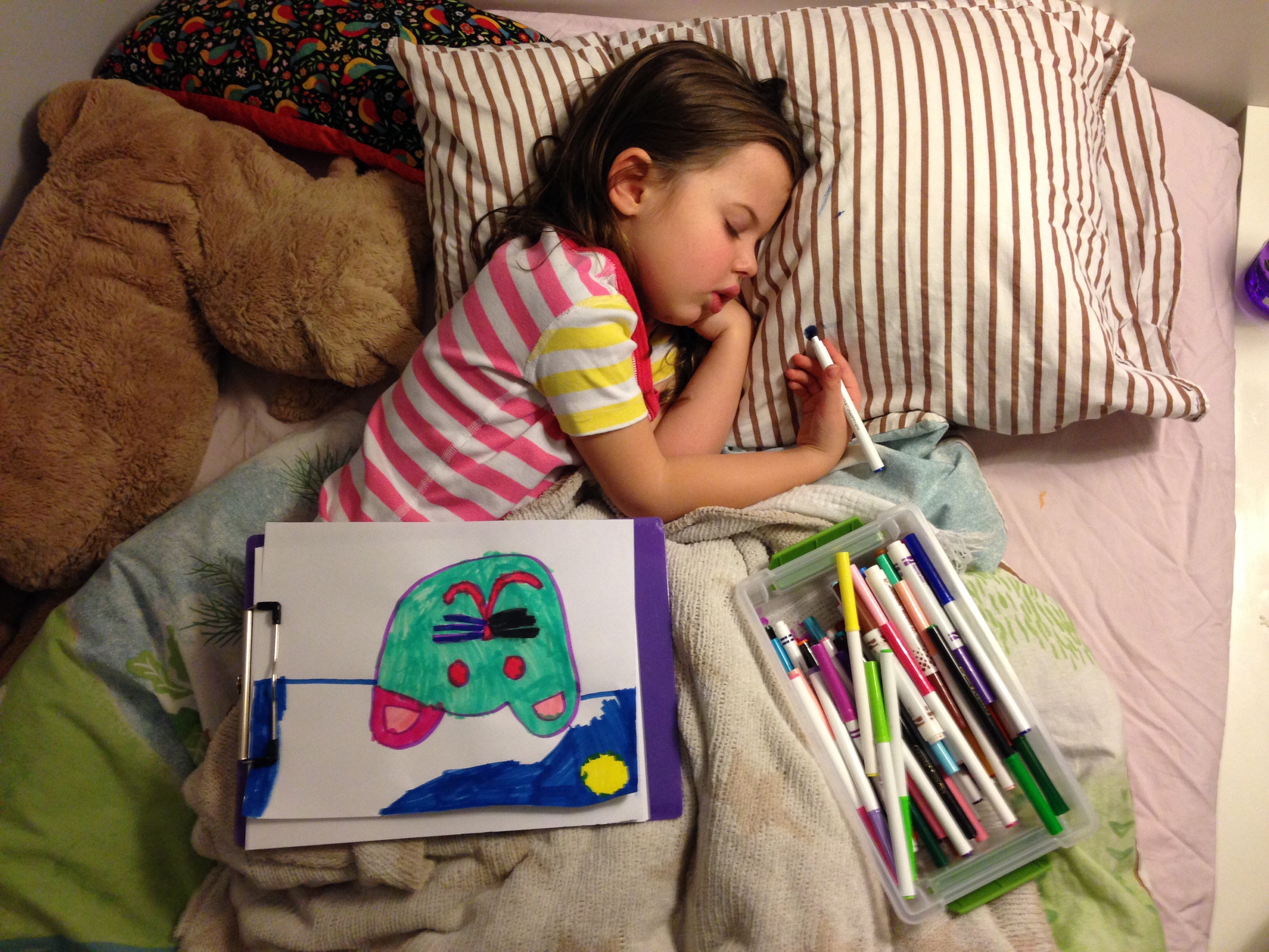 Roozle draws herself to sleep 19