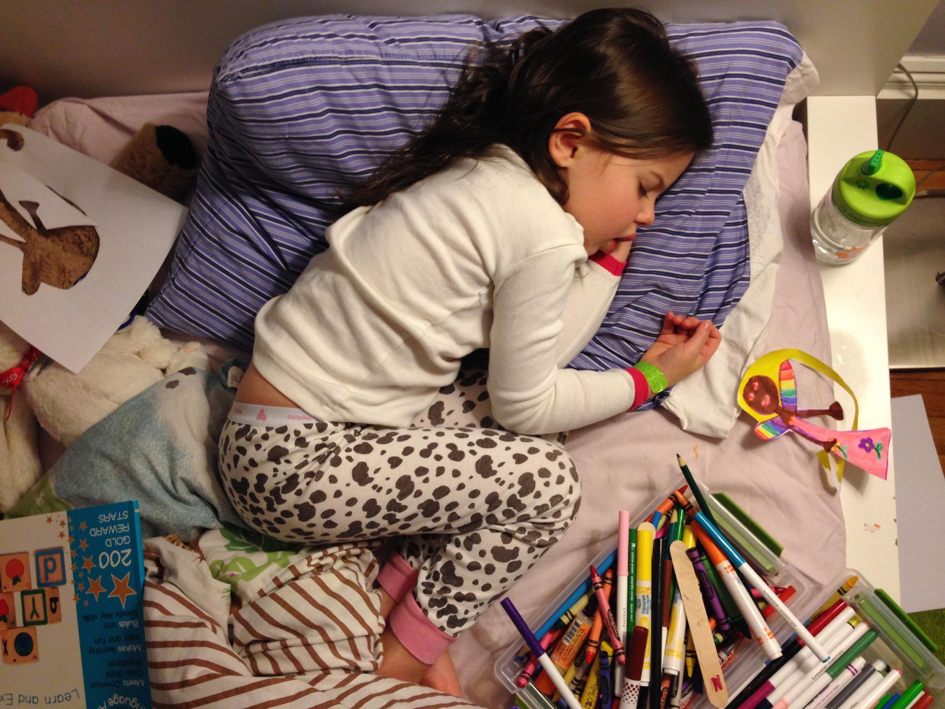 Roozle draws herself to sleep 20