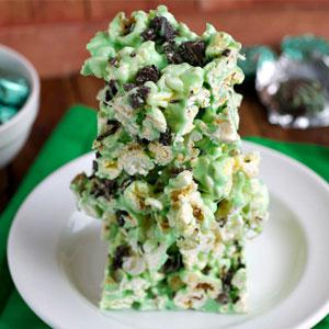 Mint chocolate popcorn treat