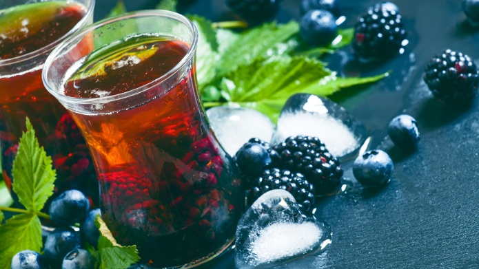 Smoky-sweet blackberry bourbon smash for your
