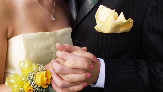 Should you chaperone your teen's prom?
