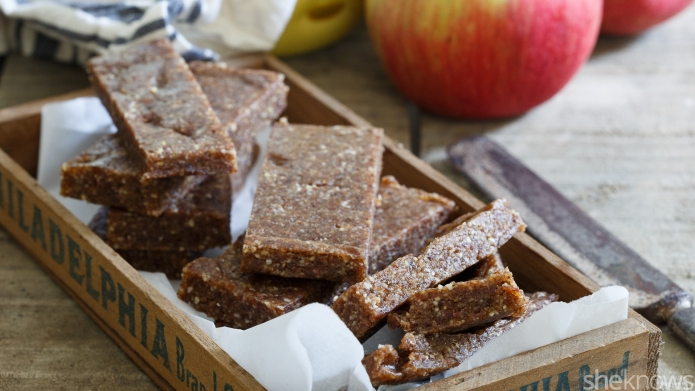 Make your own apple pie Larabars