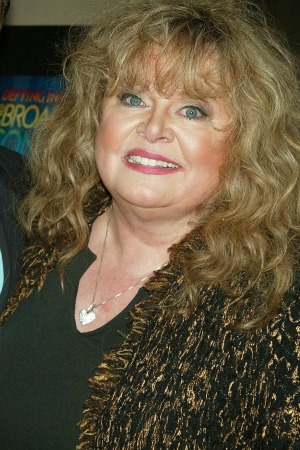 Sally Struthers gets court date for OUI charge