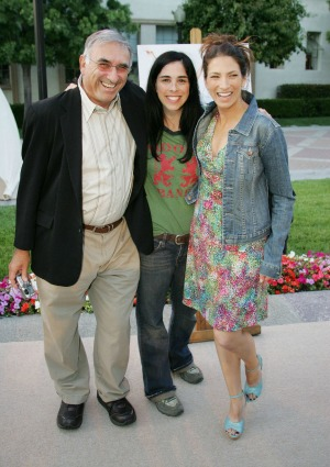 Sarah Silverman with her father and sister