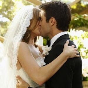 PHOTOS: Revenge wedding leads to Emily's