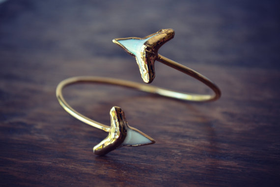 Gemstone shark bracelet