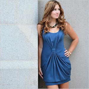 Sleeveless dress with pockets
