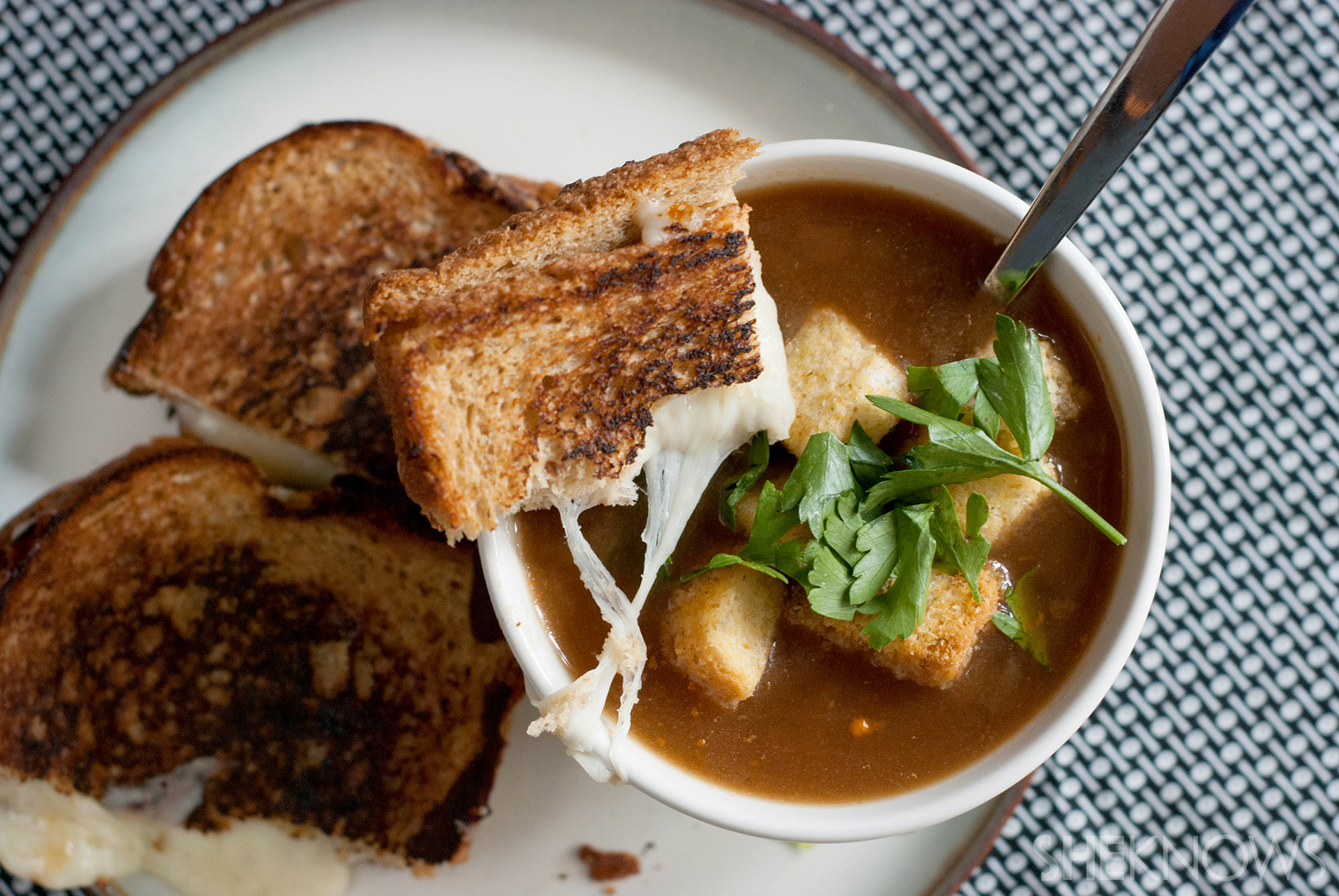 Go Gourmet With This Vegetarian French Onion Soup And Gruyere