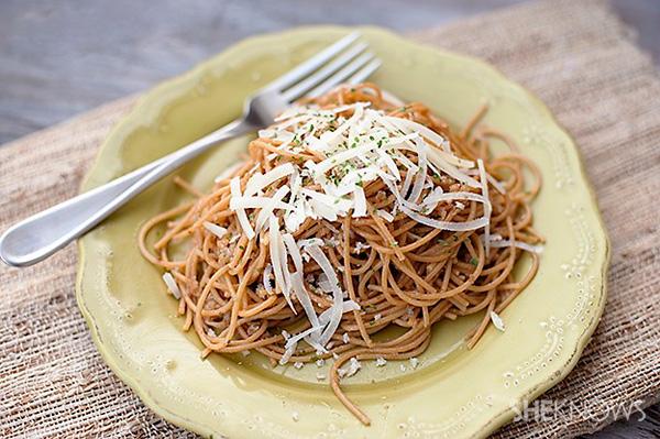 Spaghetti with lemony garlic brown butter sauce